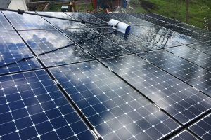 https://www.solarreinigung-bayreuth.de/wp-content/uploads/2017/05/IMG_4620-300x200.jpg